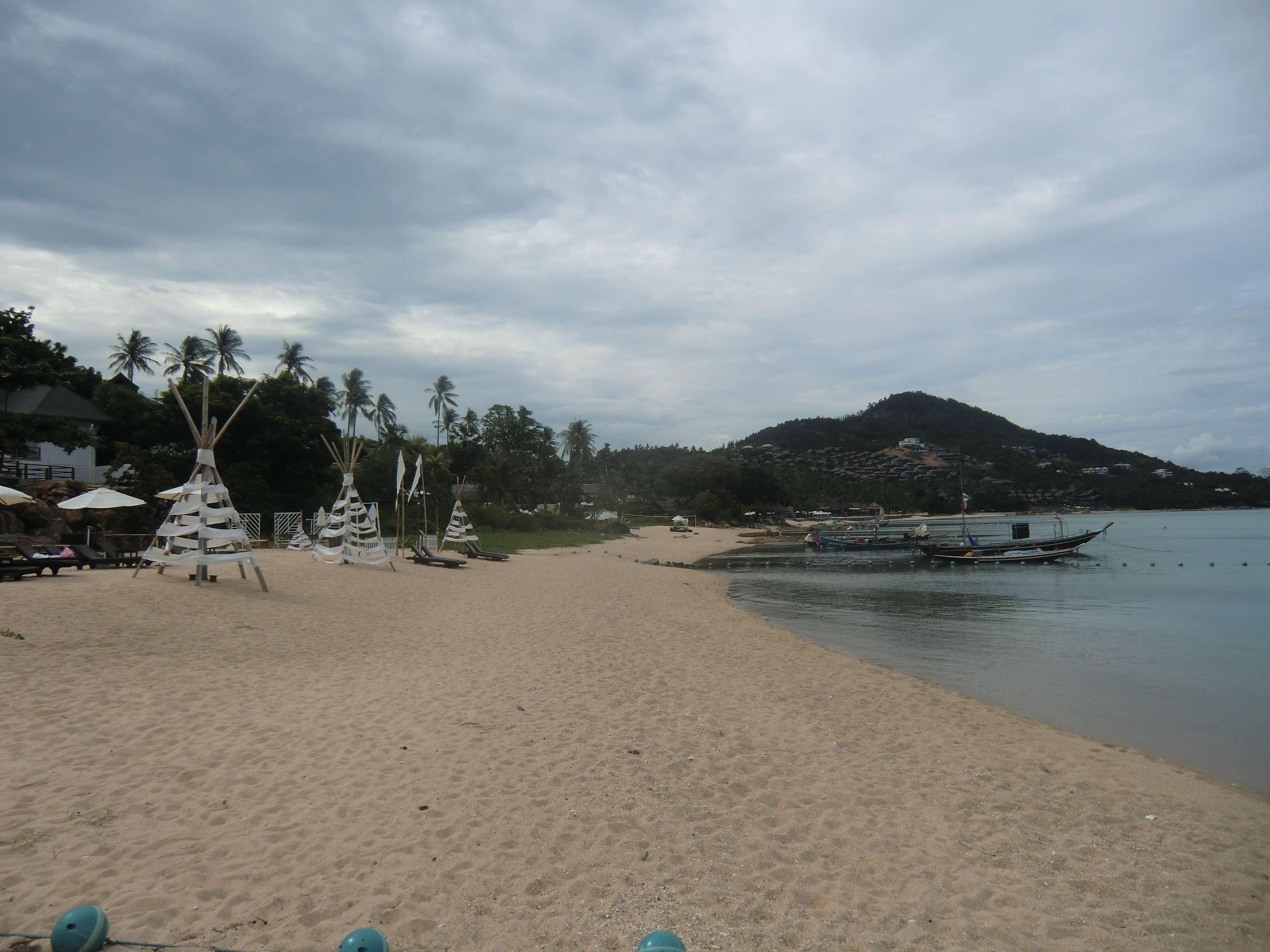 """der Strand hinter den """"Baan Haad Resort"""" weiter Richtung Norden"""