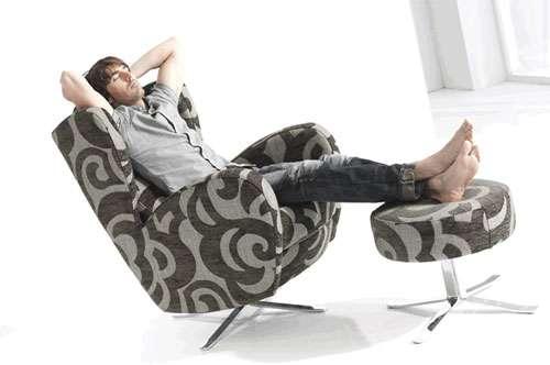 Sillones reclinables elegancia y confort en una sola pieza for Tresillos sevilla
